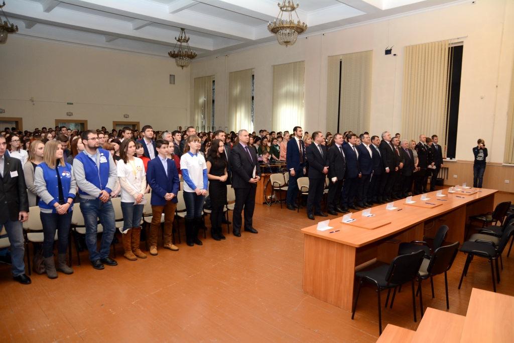 В Омске прошел форум волонтеров - Завтра начинается сегодня