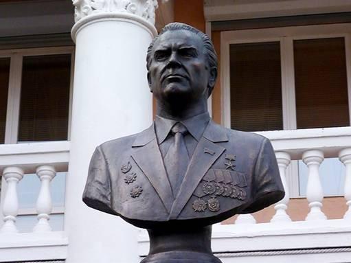 7 ноября в г. Омск состоялось открытие памятника С.И. Манякину